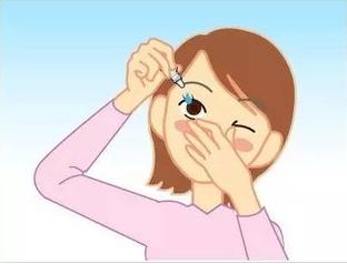 快别乱滴眼药水了,使用不当反而损害视力